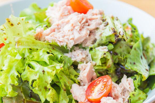 Диетический салат с тунцом рецепт - как похудеть вкусно | 400x600